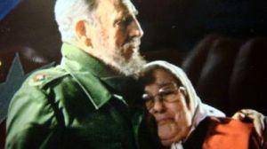 Bonafini-abraza-a-Fidel